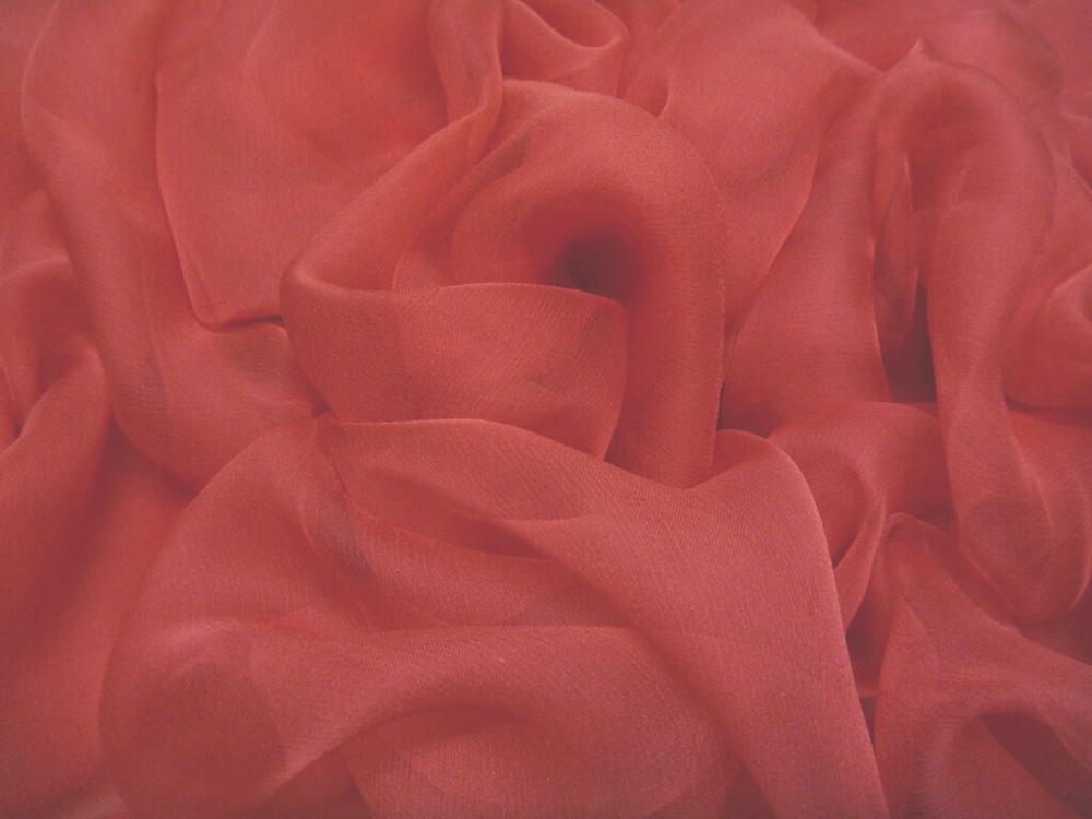 Tkanina jedwabna szyfon mgiełka w kolorze czerwonym