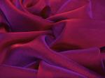 Tkanina jedwabna szyfon opalizujący ciemna purpura ze szkarłatnym światłem i szafirowym cieniem